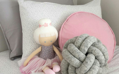 CUSHIONS FOR GIRLS' ROOMS
