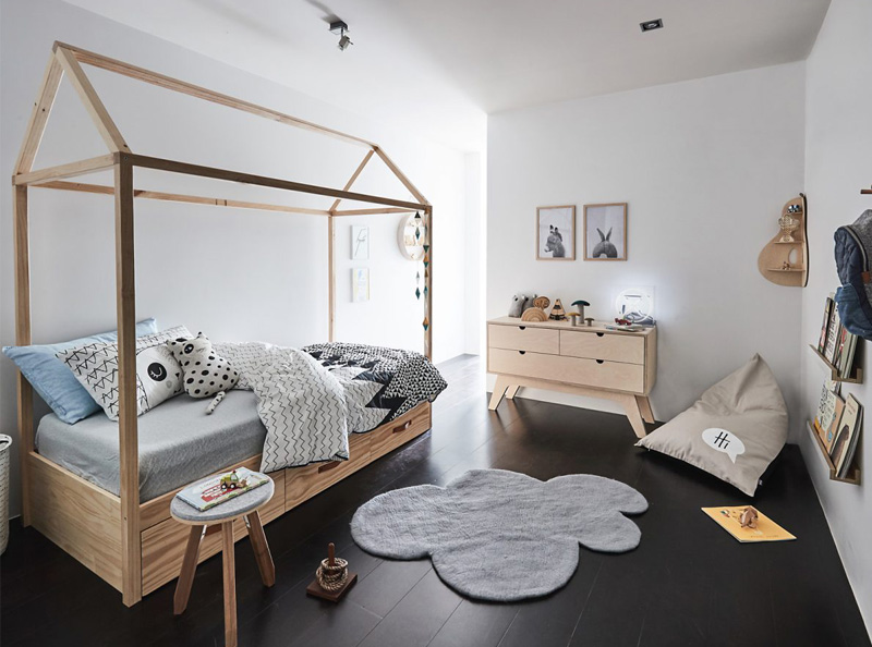 natural wooden housebed