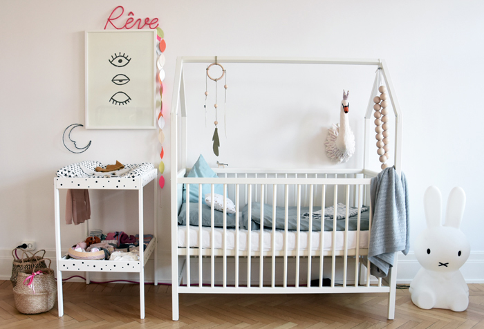 stokke cot and nursery bed
