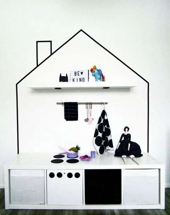 black and white playkitchen