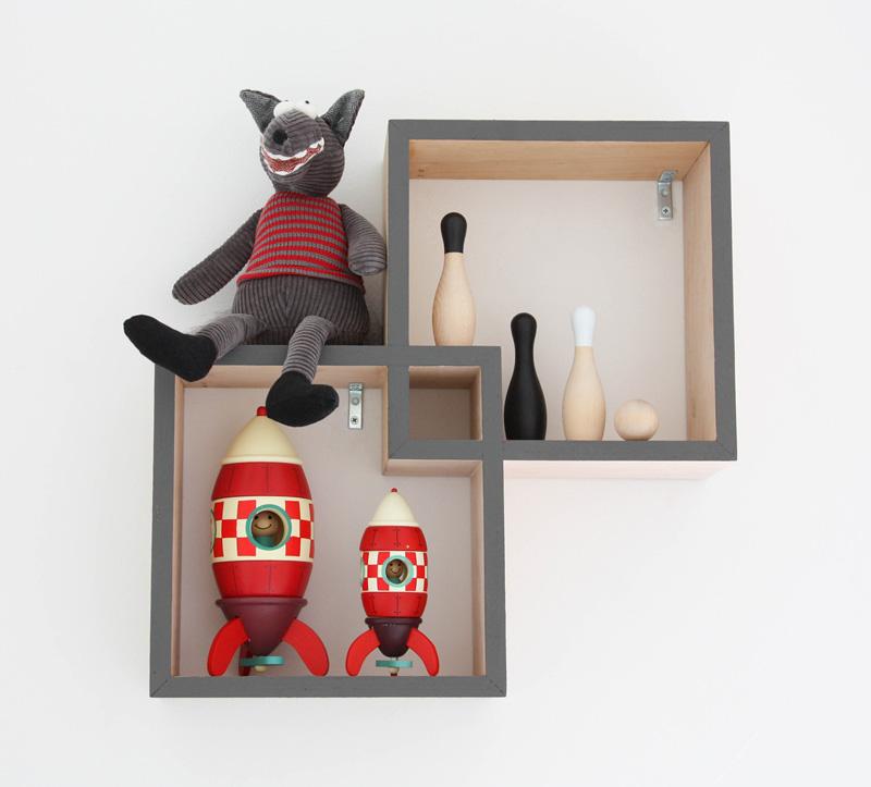 red spaceship toys