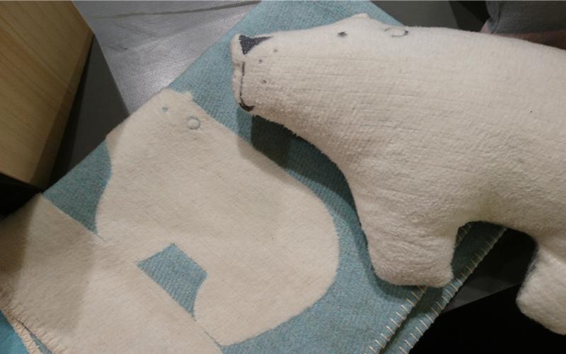 polar bear cushion blanket