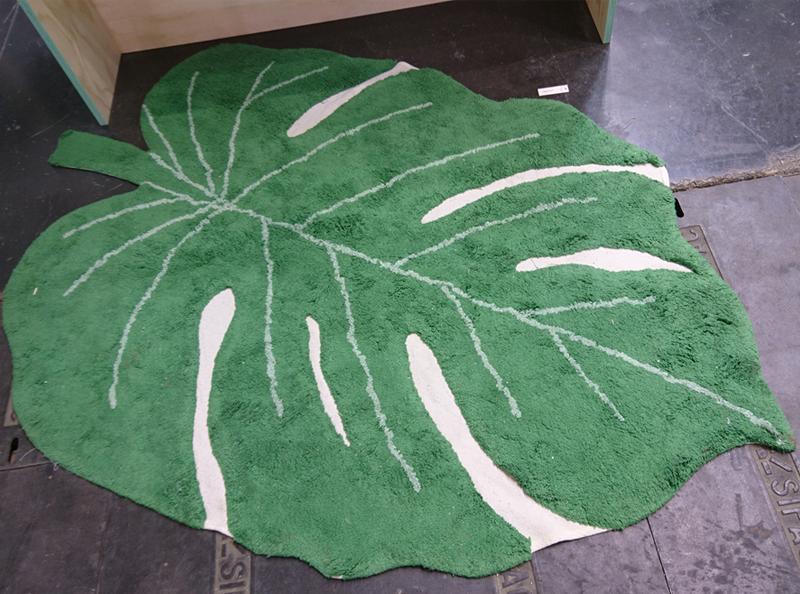 Lorena Canals leaf rug