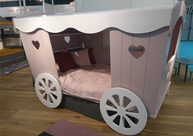 carriage coach kids bed