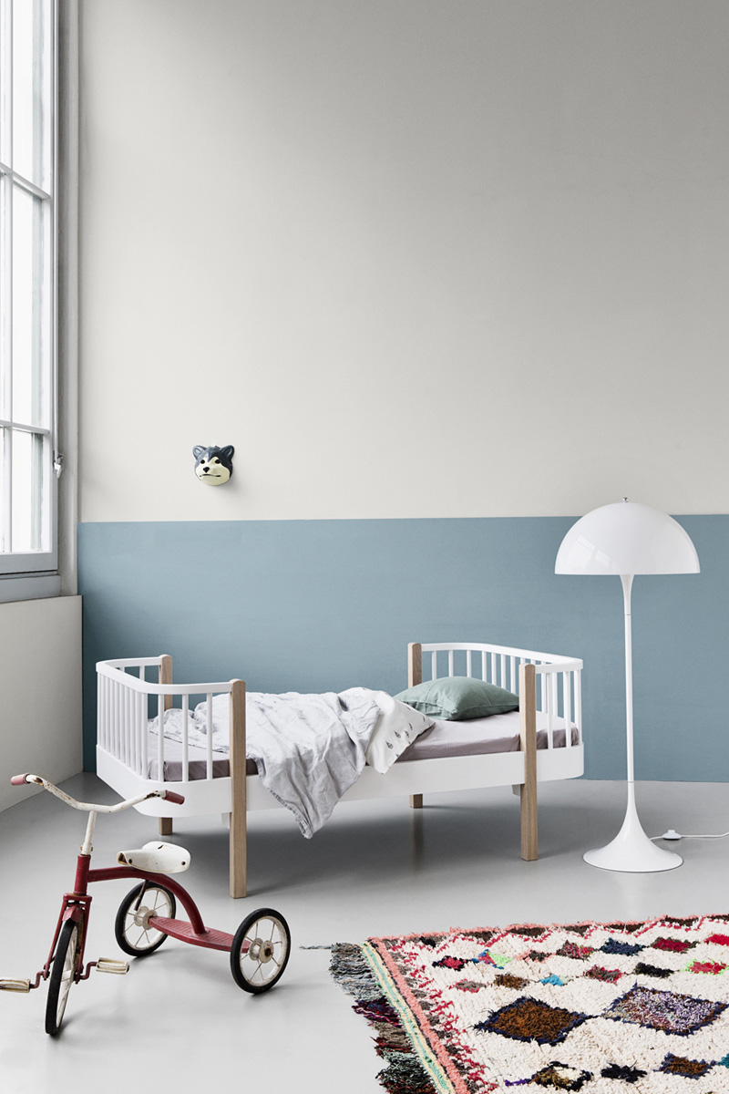 white floorlamp kids room