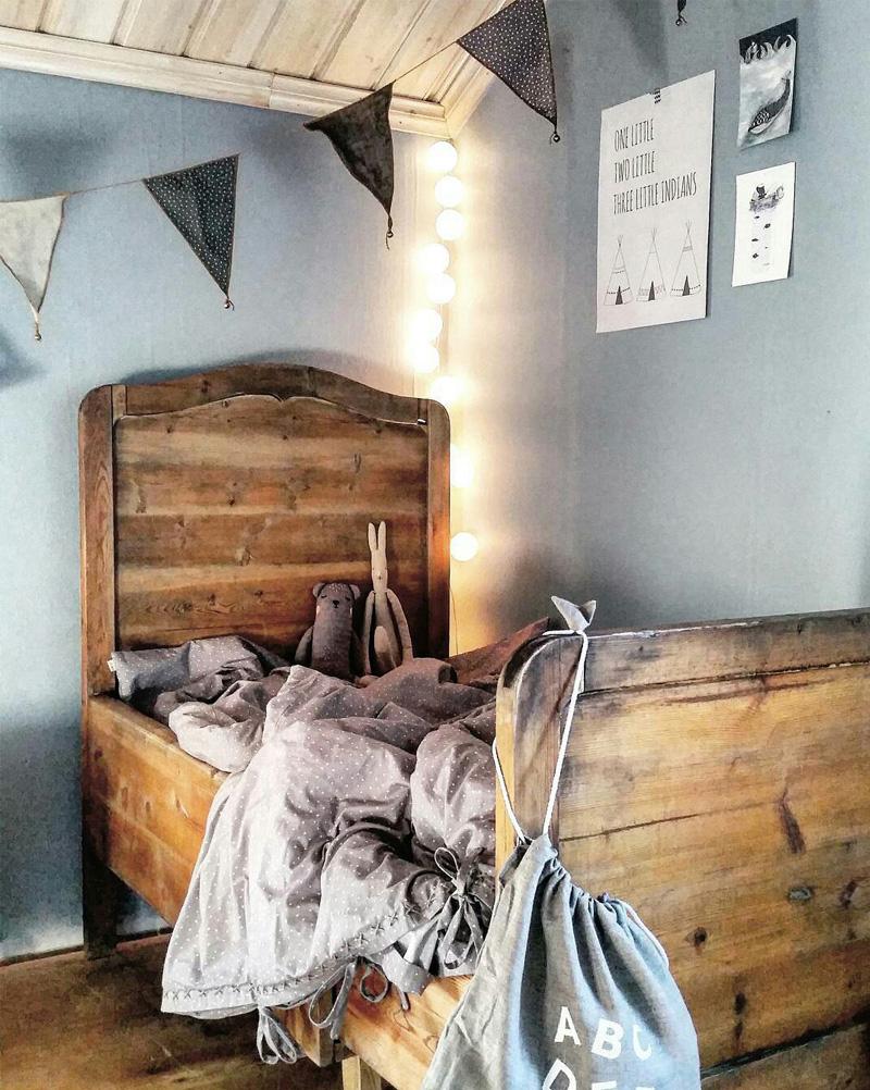 stringlight childrens room