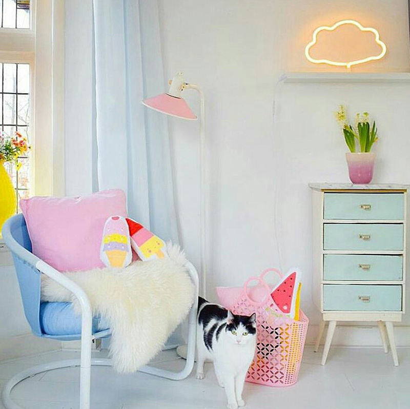 pastel girs decor