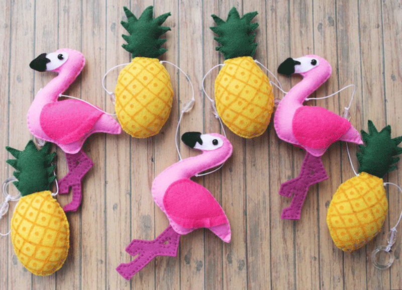 pineapple flamingo garland