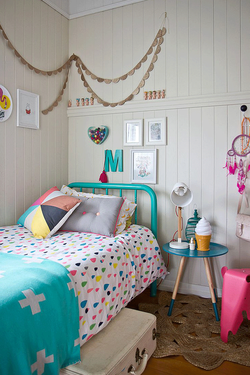 girls room turquoise