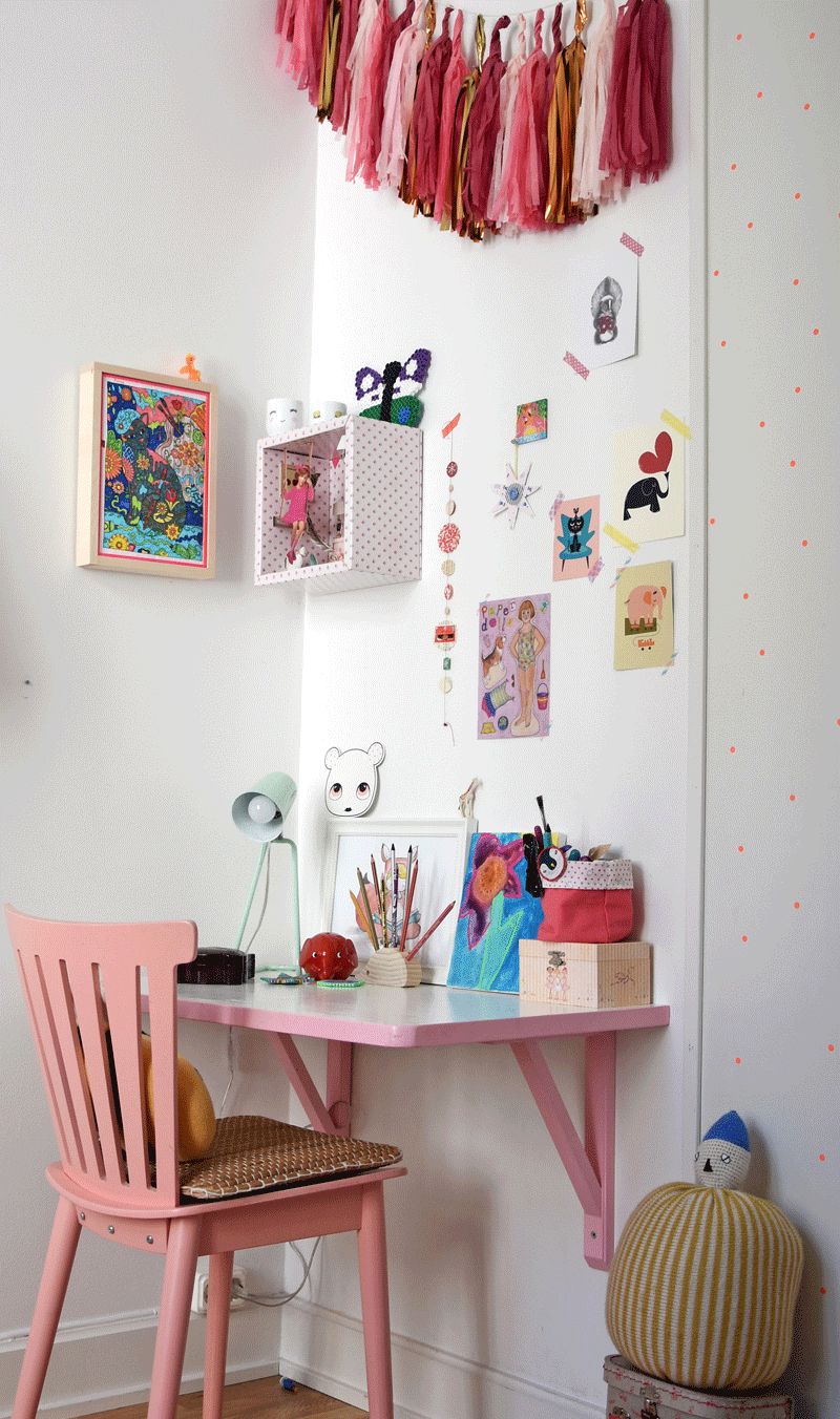 cute study area girls room