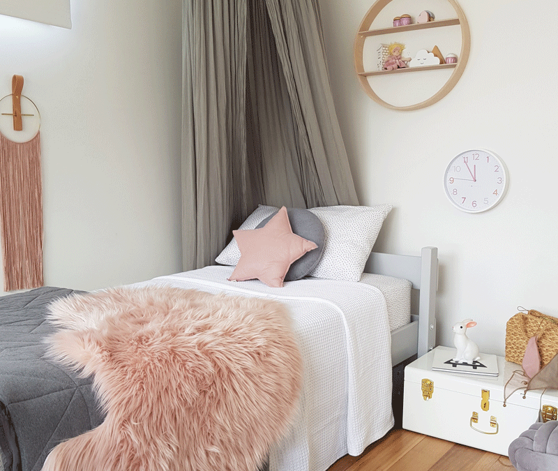SASKIA'S CUTE ROOM WITH A MID-CENTURY TOUCH