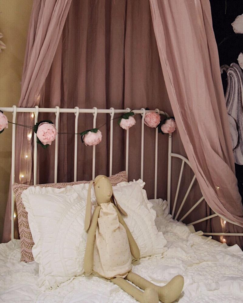 romantic girls room