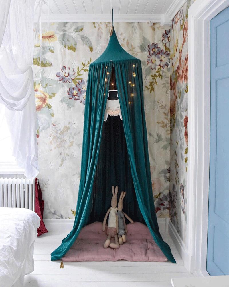 blue canopy kids room