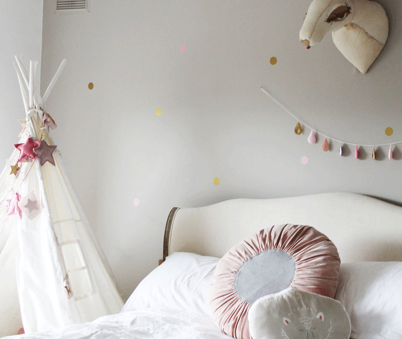CLEO'S WHIMSICAL ROOM WITH A TOUCH OF VINTAGE