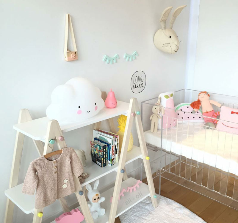 transparent baby cot