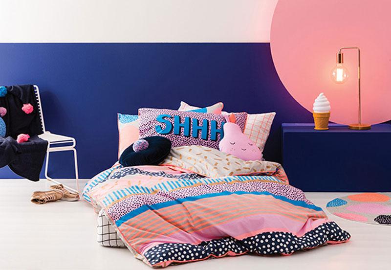 midnight blue walls interiors
