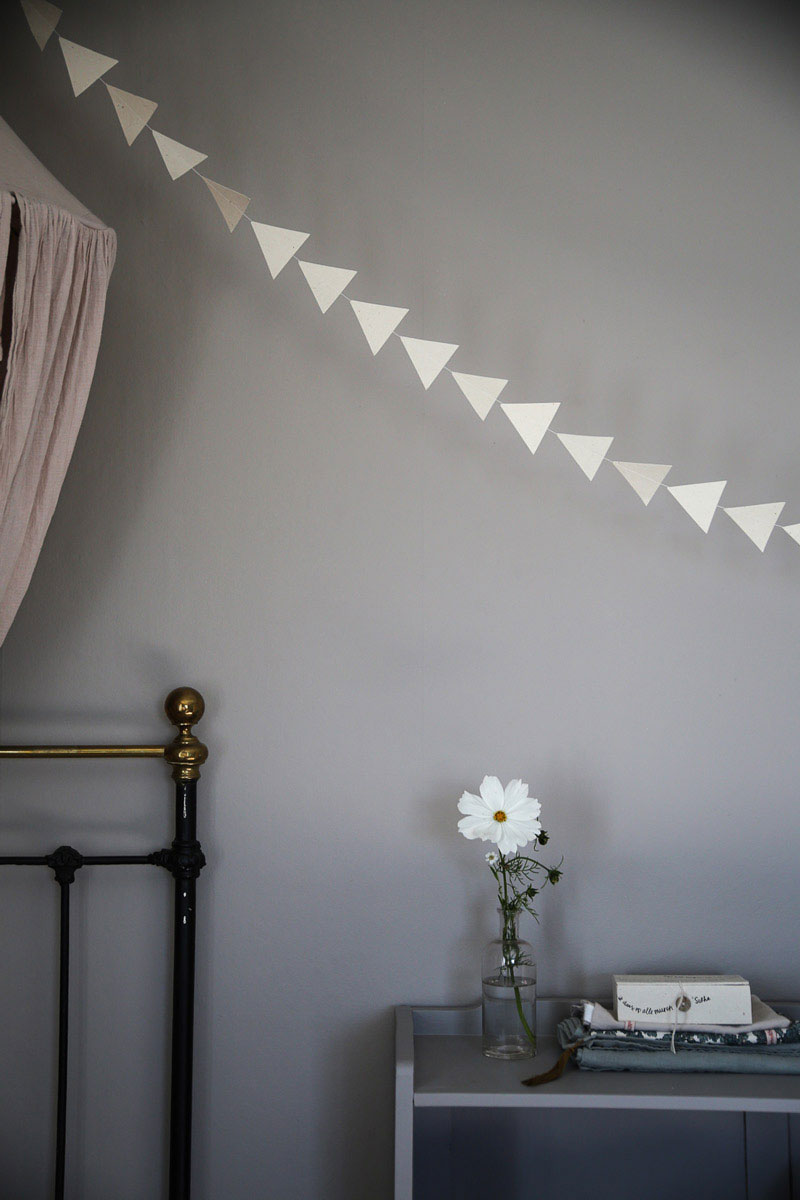 white garland for kids room