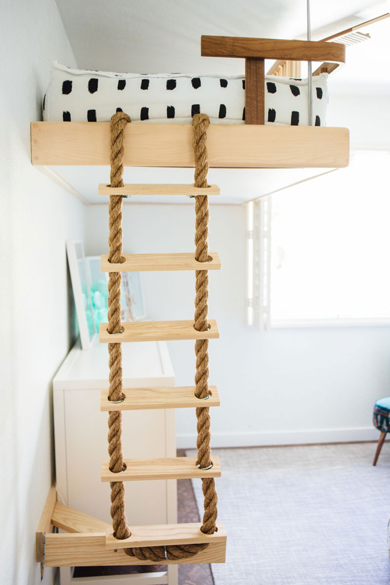 bunkbed with rope ladder