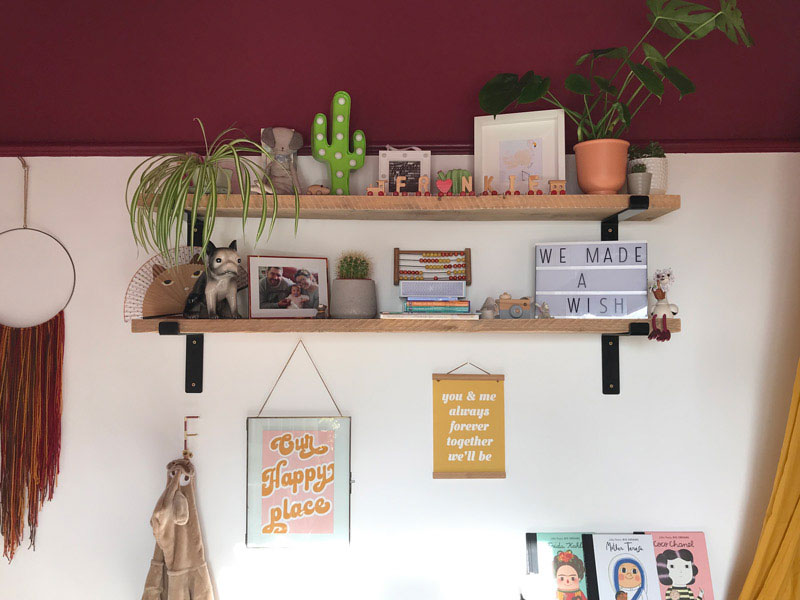 ideas to decorate a shelf