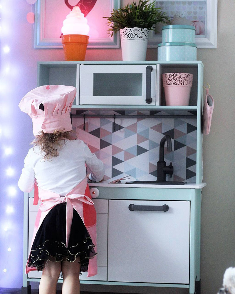 geometric playkitchen backsplash wallpaper