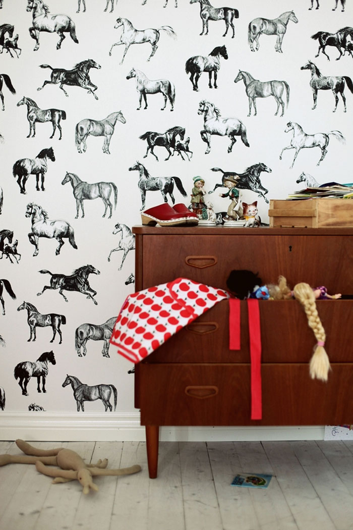 black and white equestrian wallpaper