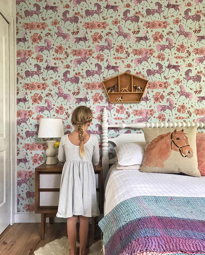 horse wallpaper for girls room