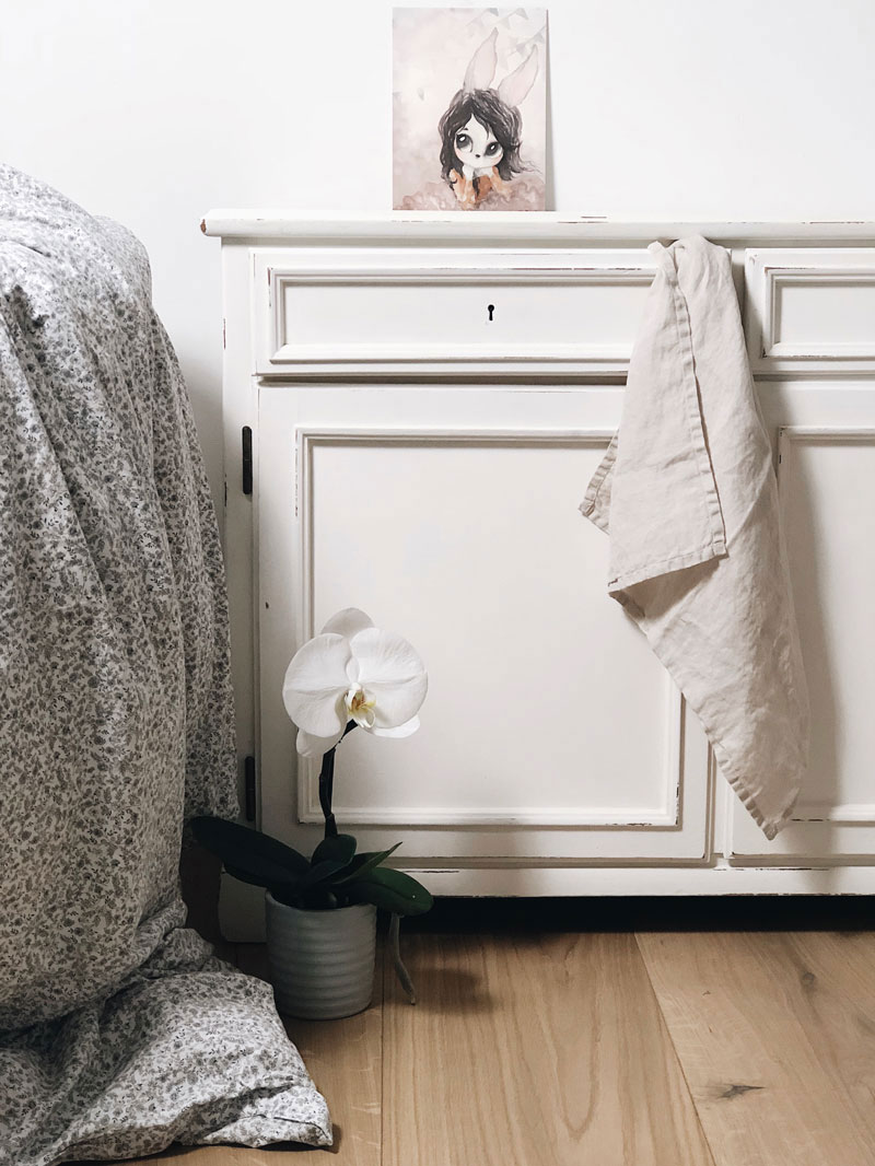 white sidetable kid's room