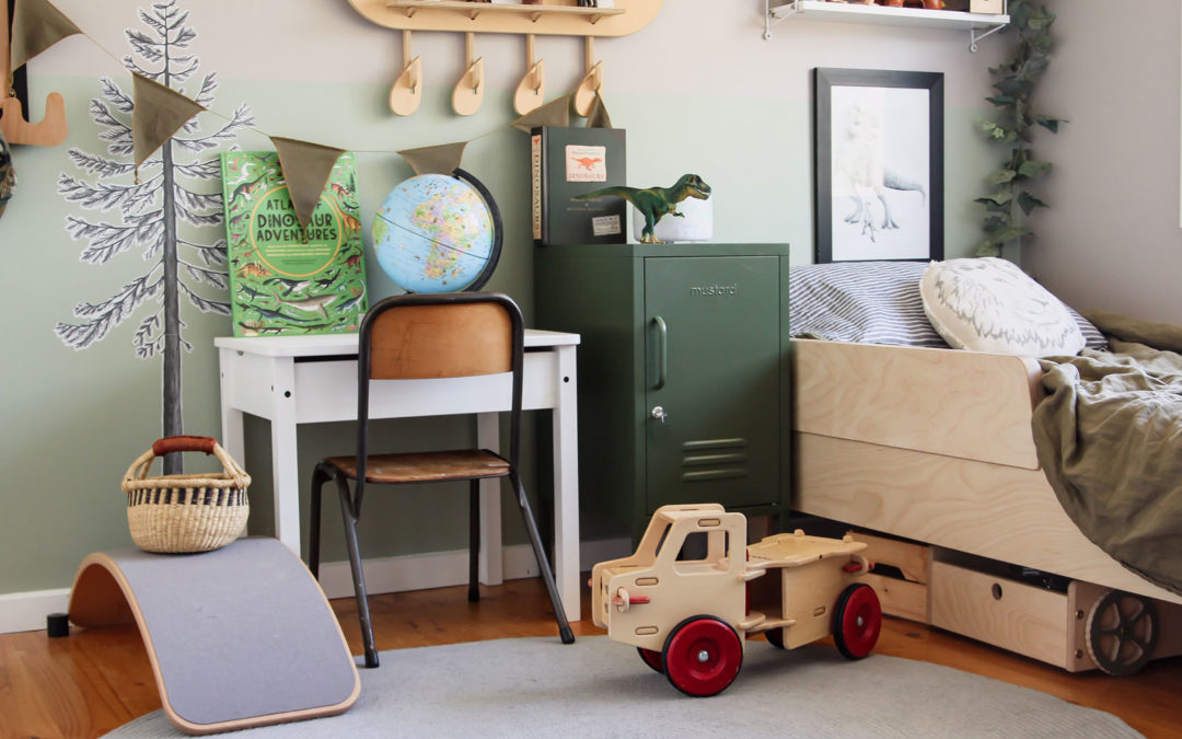 ROOMTOUR : RILEY'S EARTHY AND WARM DINOSAUR ROOM