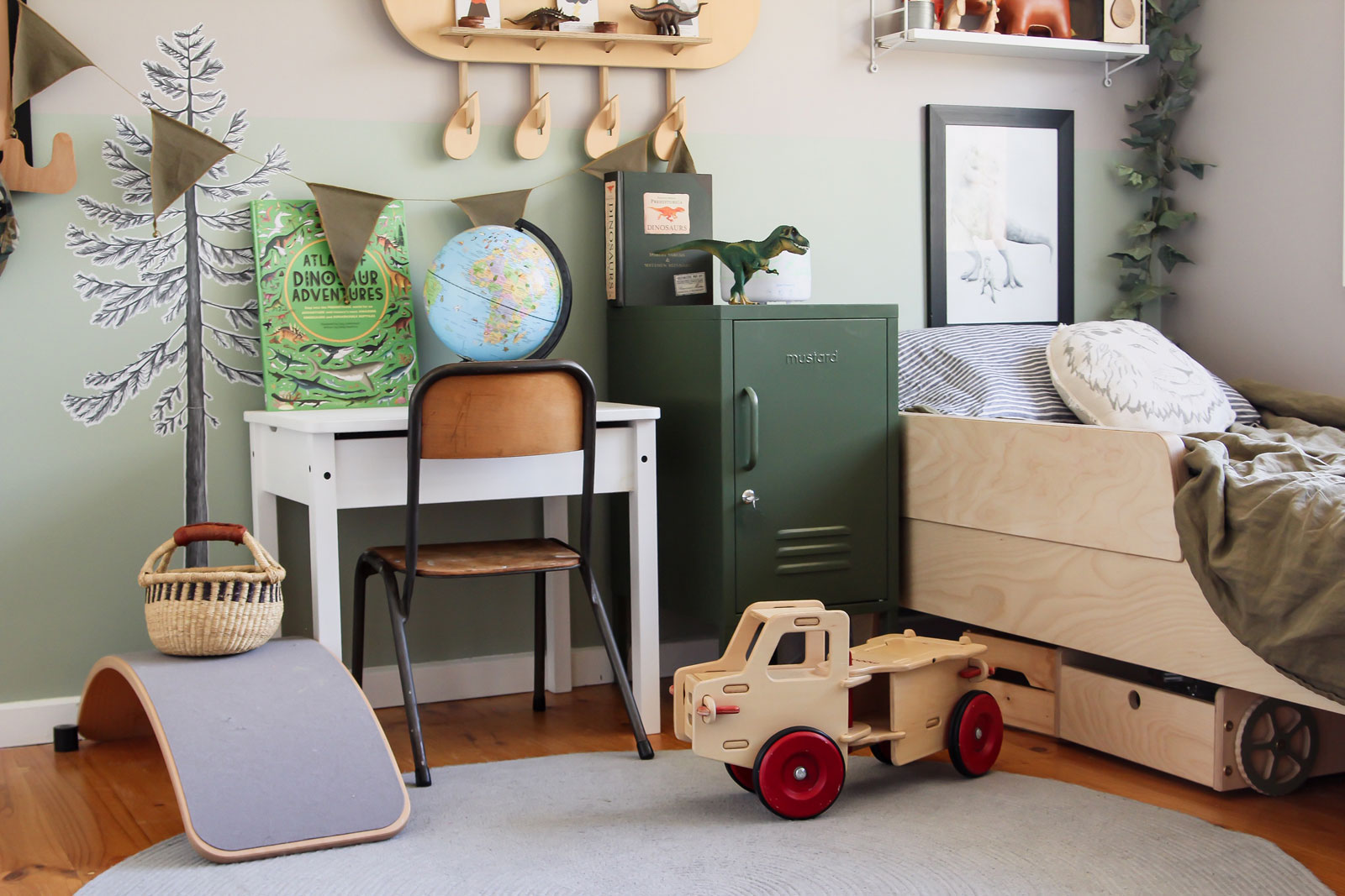. Riley s Earthy and Warm Dinosaur Room   roomtour