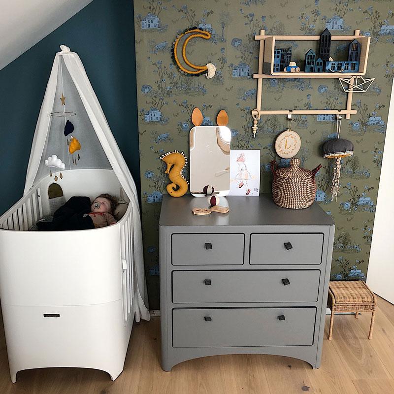 leander grey dresser