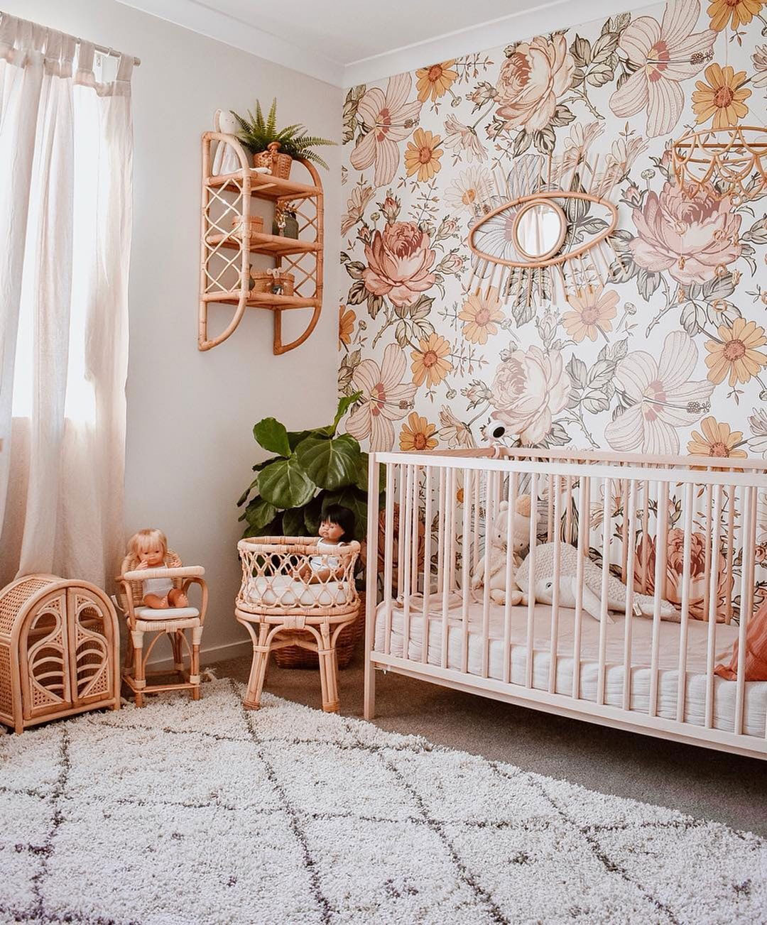 peachy flowery wallpaper