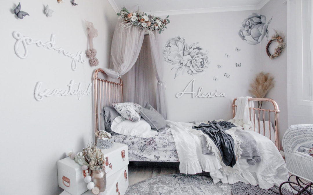 ROOMTOUR : ALEXIA'S WHIMSICAL GREY BEDROOM WITH FLORALS
