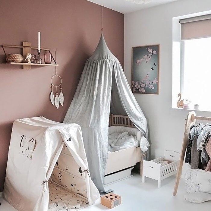 cute hide-in corner kid's room
