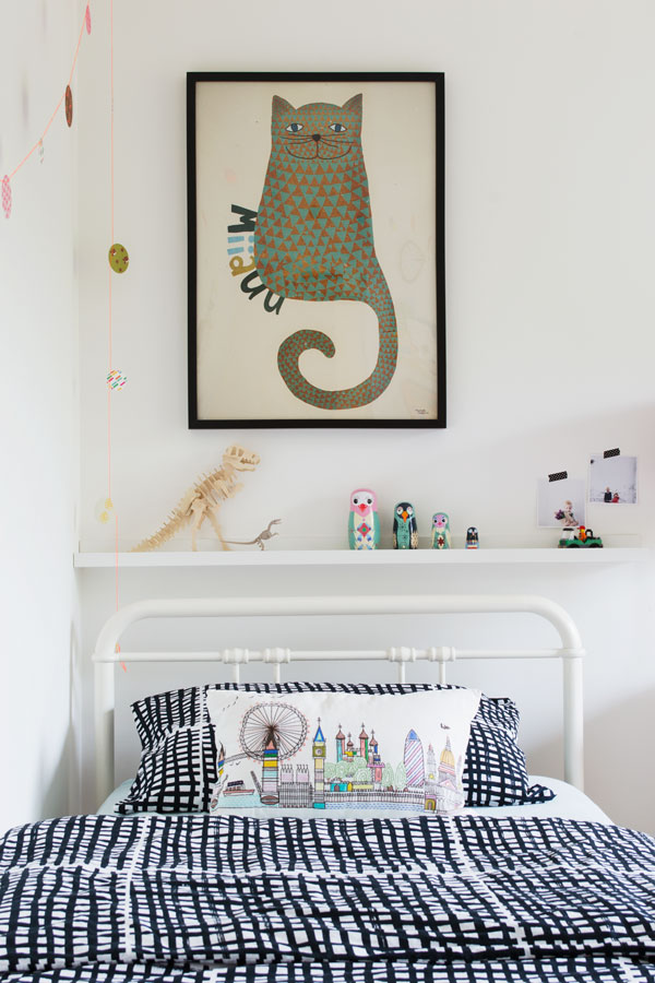 kid's room with cat design