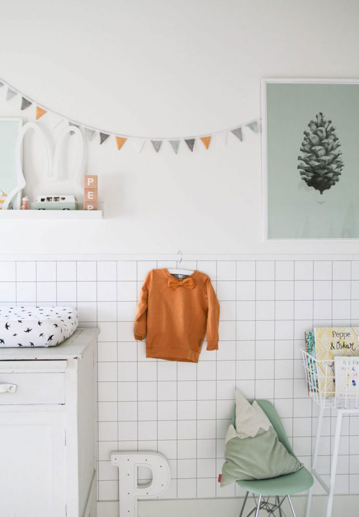 grid wallpaper kid's room