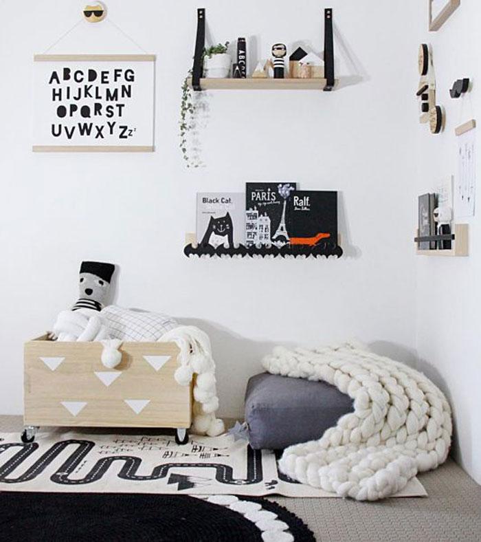 decorative shelf kid's room