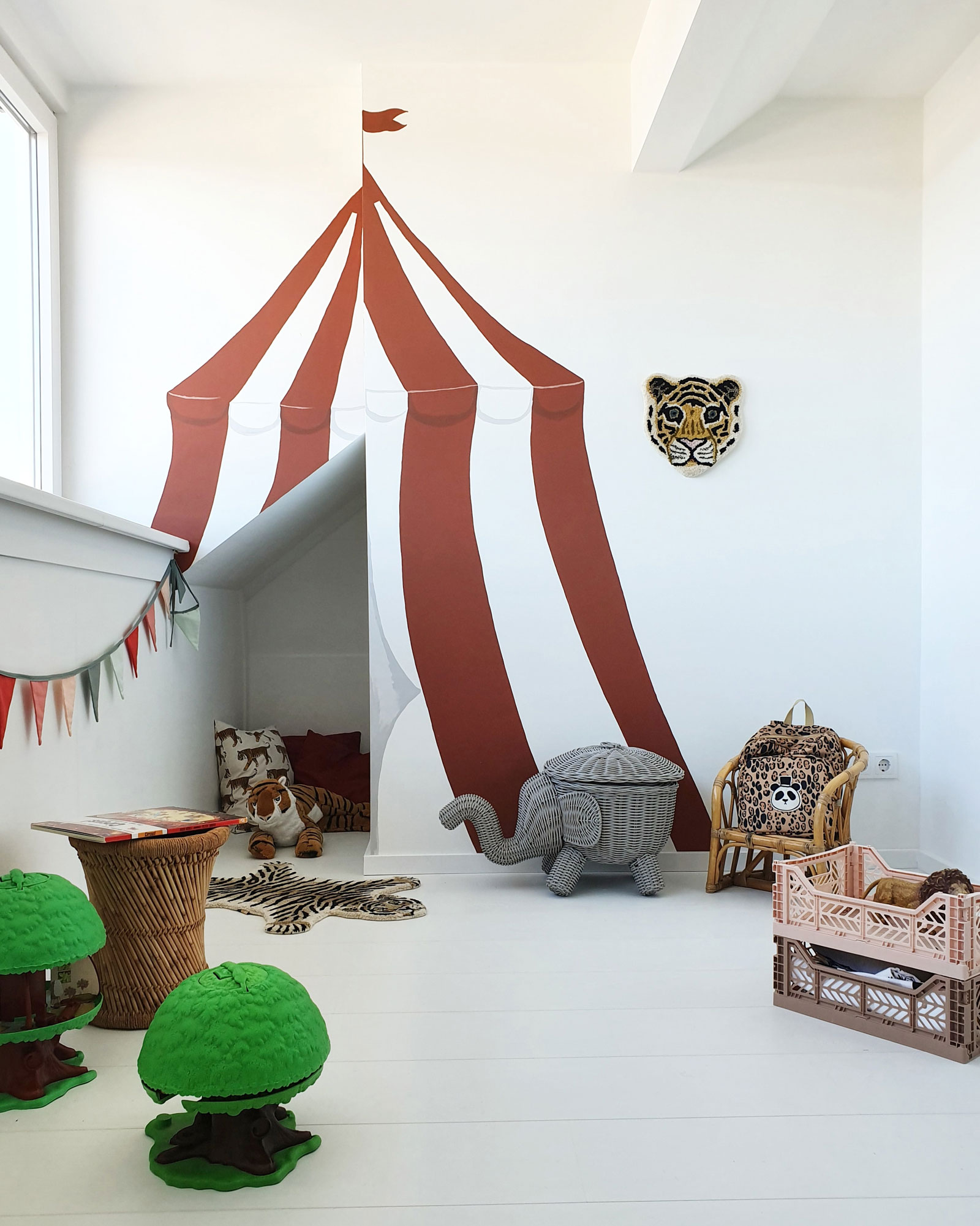 circus tent wall decor