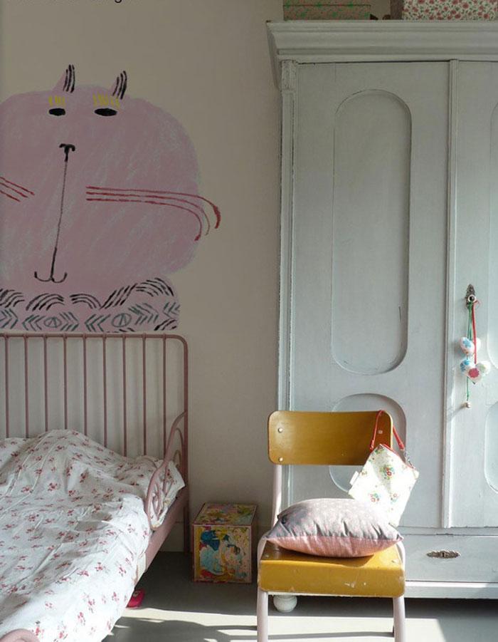 vintage girl's room