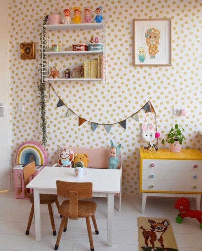 50 style vintage kid's room