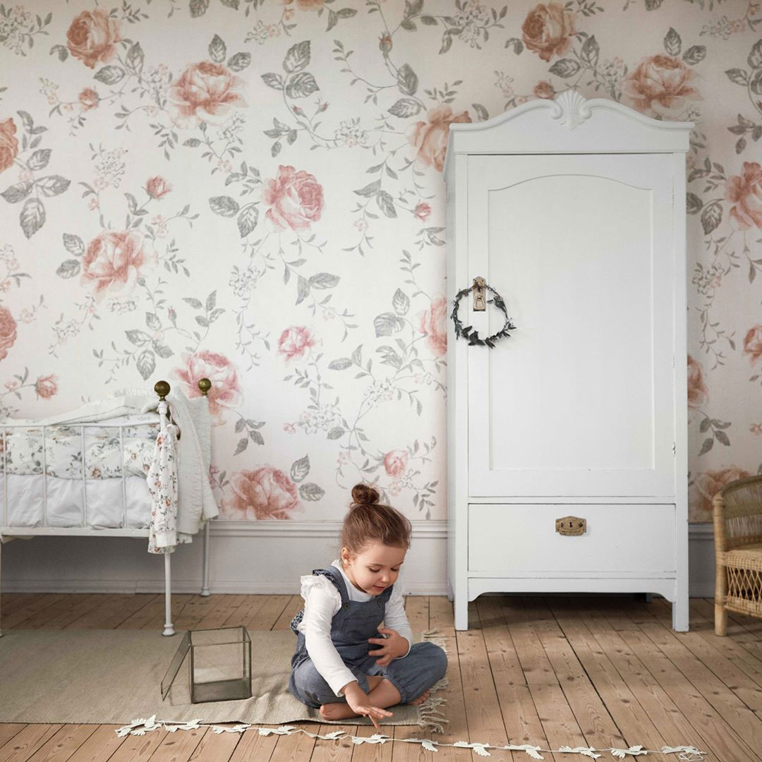 nursery wallpaper with roses