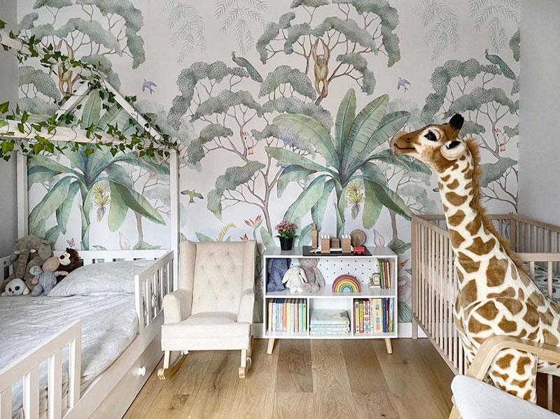 giant giraffe plushtoy kid's room