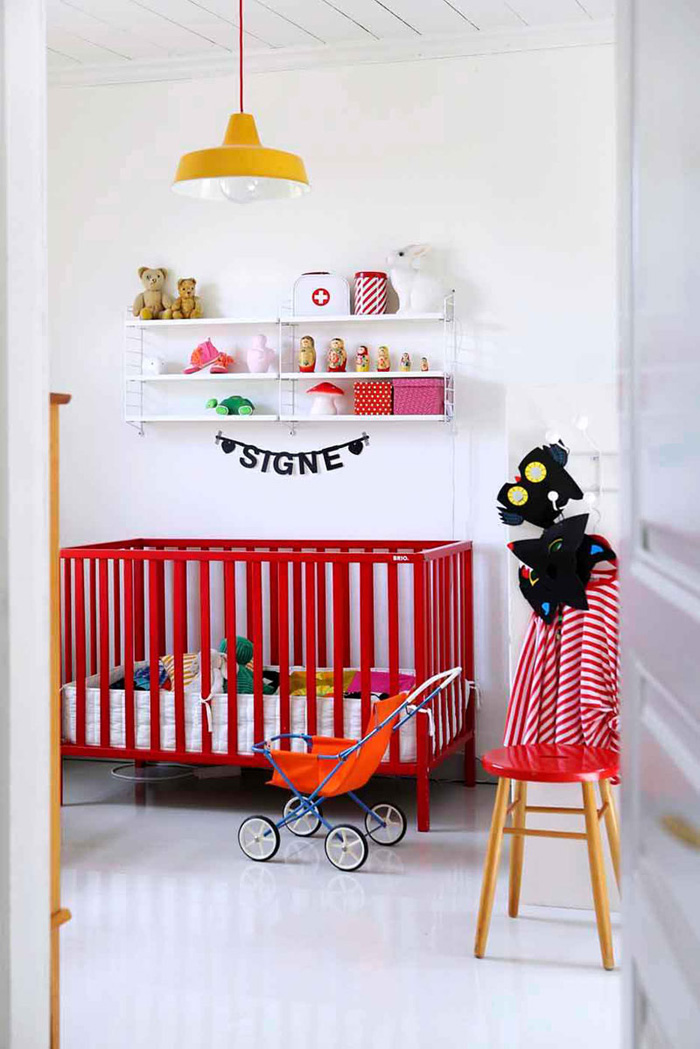 red baby cot