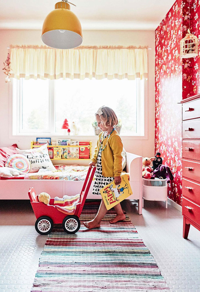 psychology red in a kid's room