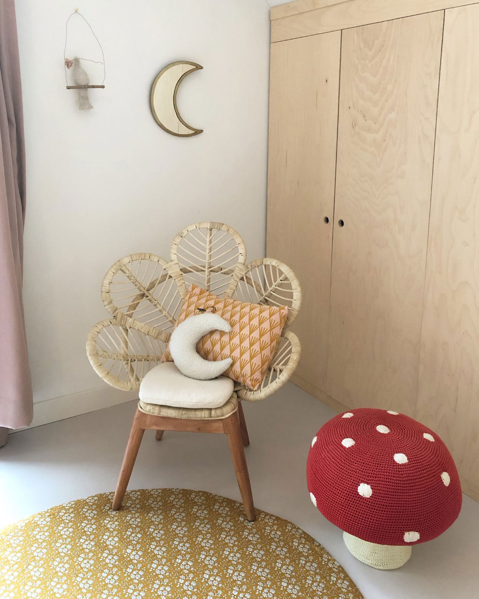 mushroom kids stool chair