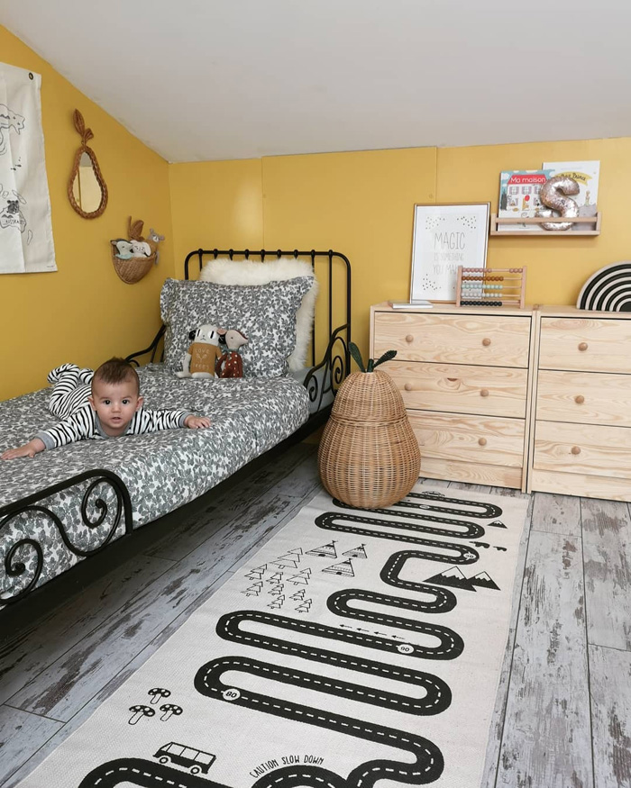 psychology yellow in a kid's room