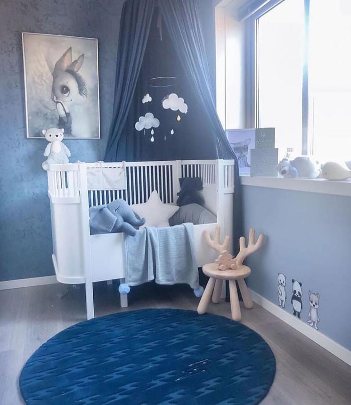 psychology blue in baby nursery
