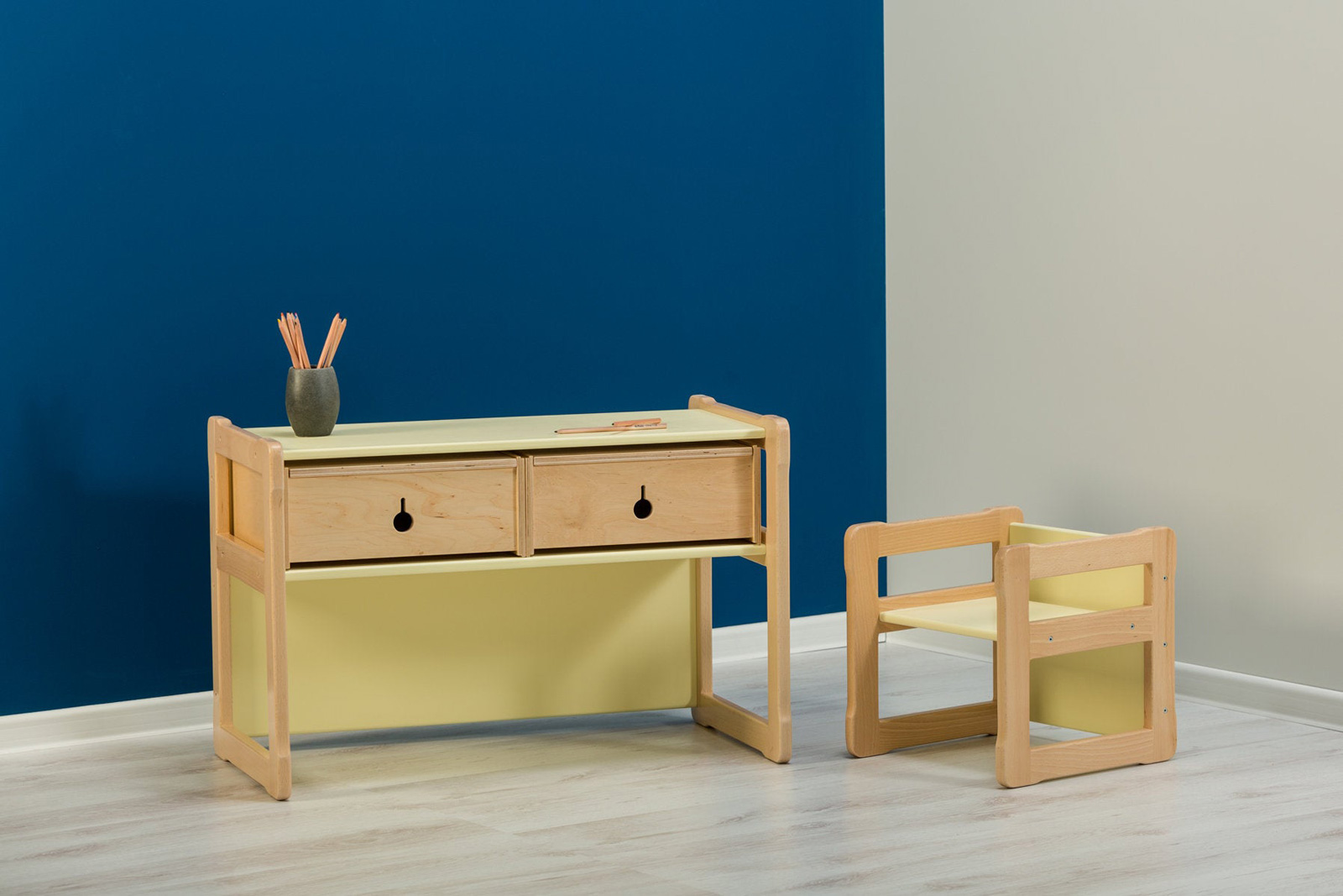 multifunctional kids desk Montessori