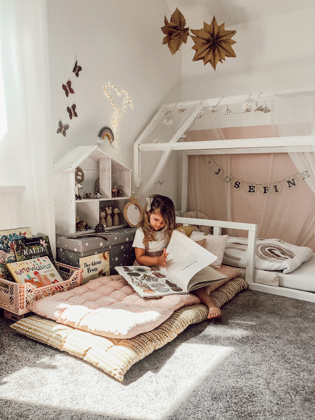 girl's room with housebed