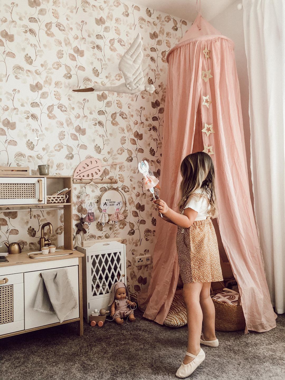 boho chic girl's room