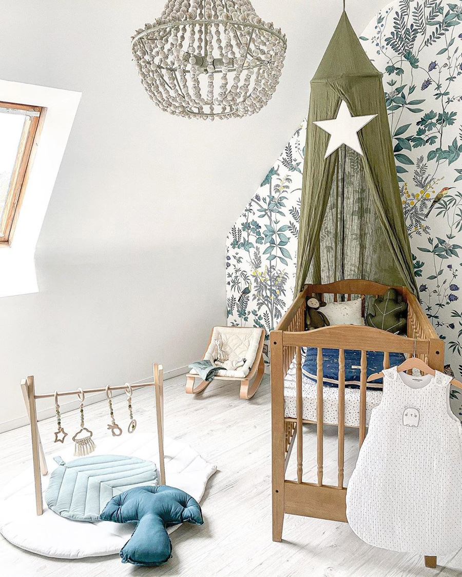 olive green canopy kids room